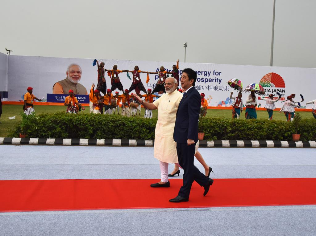 India says #SwagatShinzoSan. https://t.co/8F0s2tgriI