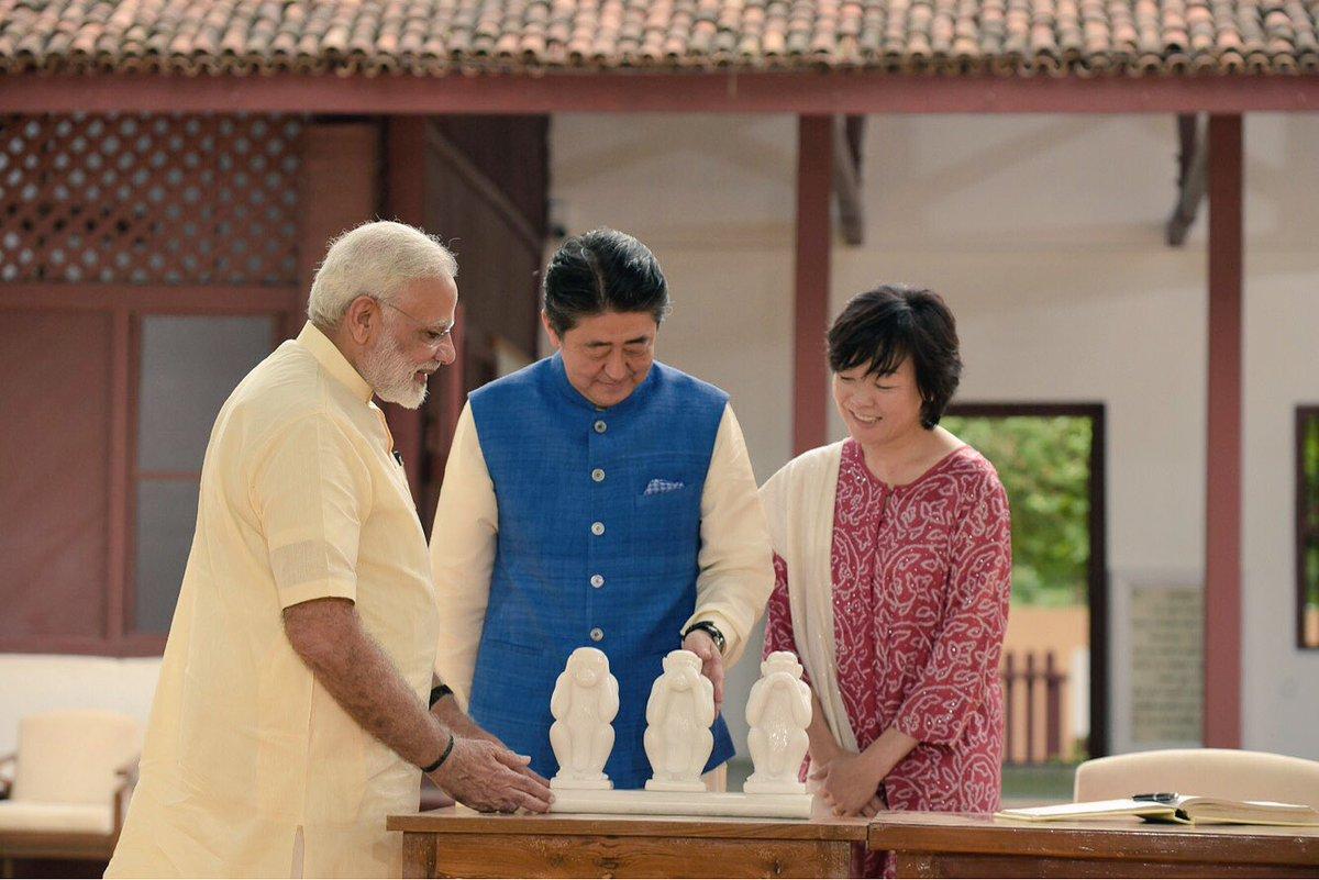 RT @LordFartVader: #NarendraModi introducing members of the Congress party to #ShinzoAbe   #SwagatShinzoSan https://t.co/enXA9mmK9Y