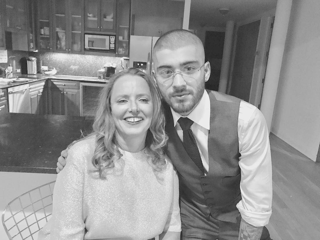 Sarah Stennett & @zaynmalik before the @usweekly event in New York �� https://t.co/GnmdAfaukK