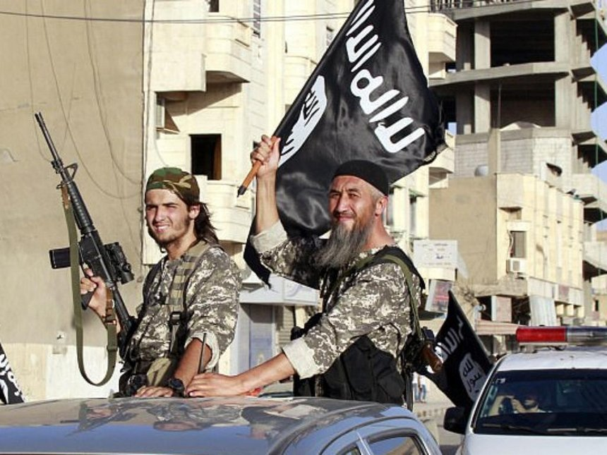 the similarities and differences between two terrorist groups isis and al qaeda Isis started out as al-qaeda which led to a break between the two groups russia, india and various other countries have designated al-qaeda as a terrorist.