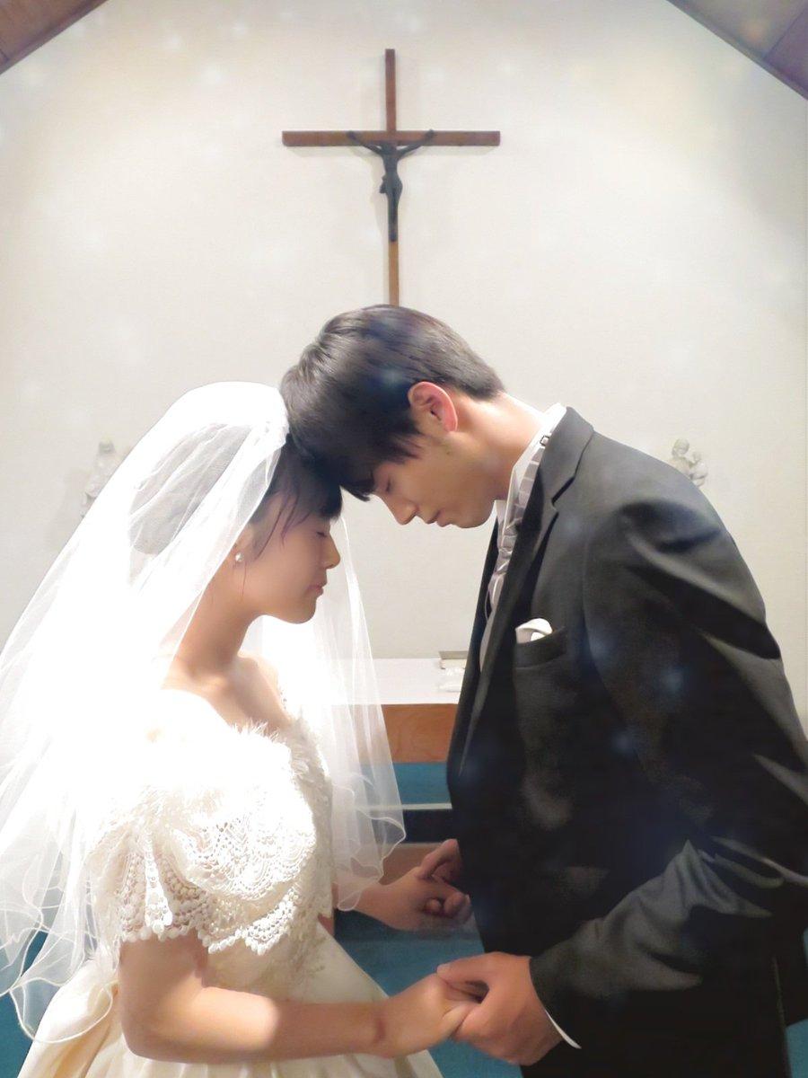 test ツイッターメディア - 過保護のカホコ素っ晴らしい最終回だったよ!!! 結婚式のシーンで感動して泣いてる時に、隣にいた「お父さんが腕時計の時間合ってる?」て聞かれた時は涙一気に引いちゃったけど、カホコちゃんとはじめ君が幸せそうで何よりでした〜カホコロスだから早く続編やって!!!日テレ!!! https://t.co/d63fIx4hKx