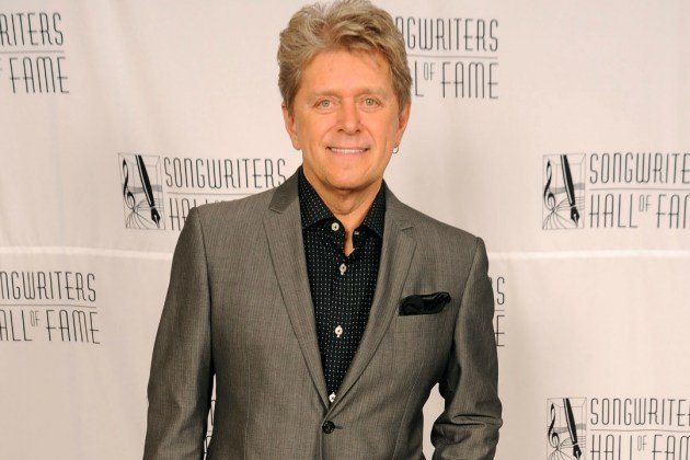 Happy Birthday à Peter Cetera né le 13 septembre 1944.