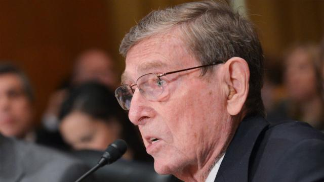 Former Sen. Pete Domenici dies at 85 https://t.co/AD4RhtNN20 https://t.co/oez17fw9lW