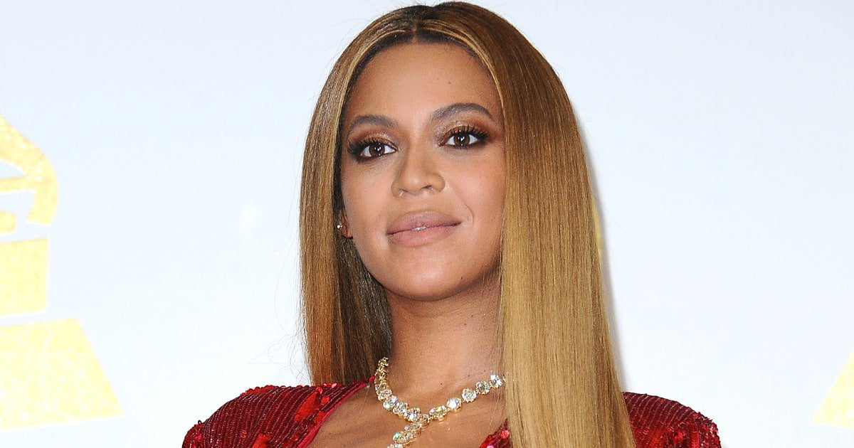 Watch Beyoncé's impassioned #HandInHand plea for hurricane relief https://t.co/HFdZbST4Mq https://t.co/TGZmCU718g