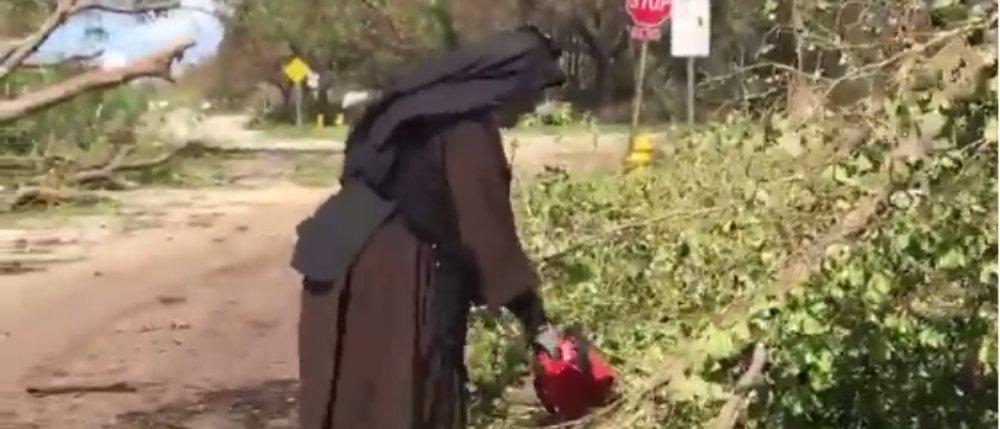 WATCH: Chainsaw-Wielding Nun Contributes To Irma Relief Effort https://t.co/JxffcTfuAI https://t.co/6tmWBXwuZK