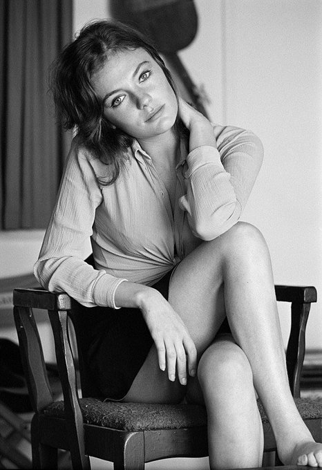 We wish a very happy birthday to the always gorgeous Jacqueline Bisset!