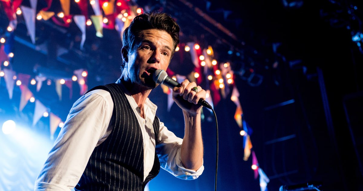 See the Killers' rousing cover of David Bowie's 'Fame' https://t.co/7m7x6nZNj4 https://t.co/iKevVHLLsu