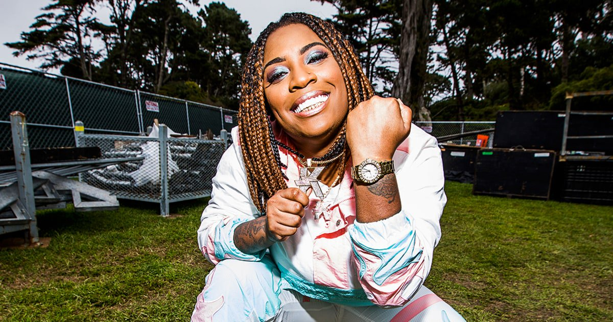 Kamaiyah on making feel-good hip-hop, becoming a West Coast icon and more https://t.co/w68GUp8Q1R https://t.co/zWZH431qdp