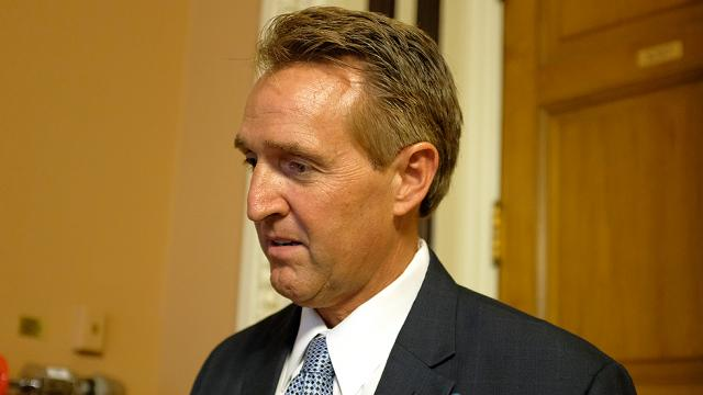 Dem pollster: Flake trailing by 27 points in GOP primary https://t.co/8D4wAPaXrp https://t.co/KPzkEPqF1W