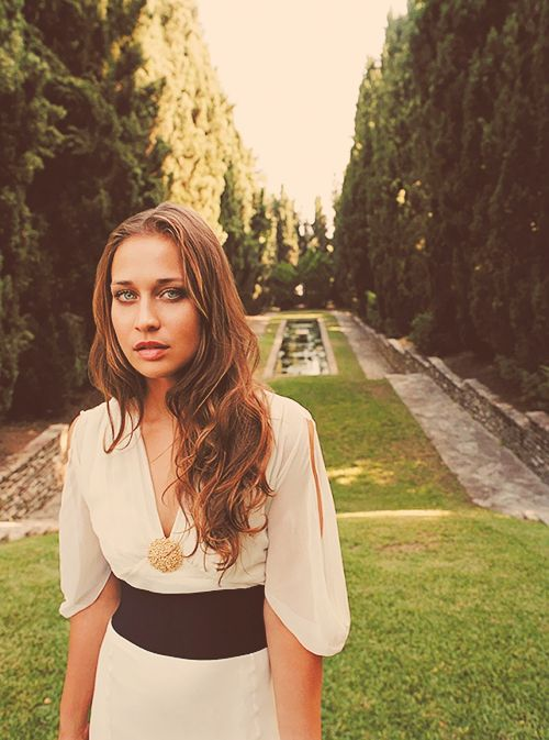 Happy Birthday Fiona Apple!