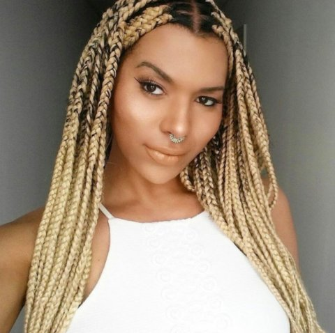 After being fired by L'Oréal, Munroe Bergdorf is the face of a new beauty campaign. https://t.co/ggI1RxK1LF https://t.co/ojXzzIFGh7