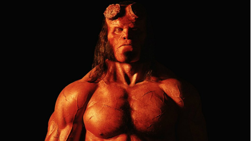 Here's your first official look at @DavidKHarbour in the #Hellboy reboot. https://t.co/5LbGcBAki0 https://t.co/5F1YwyyHAD