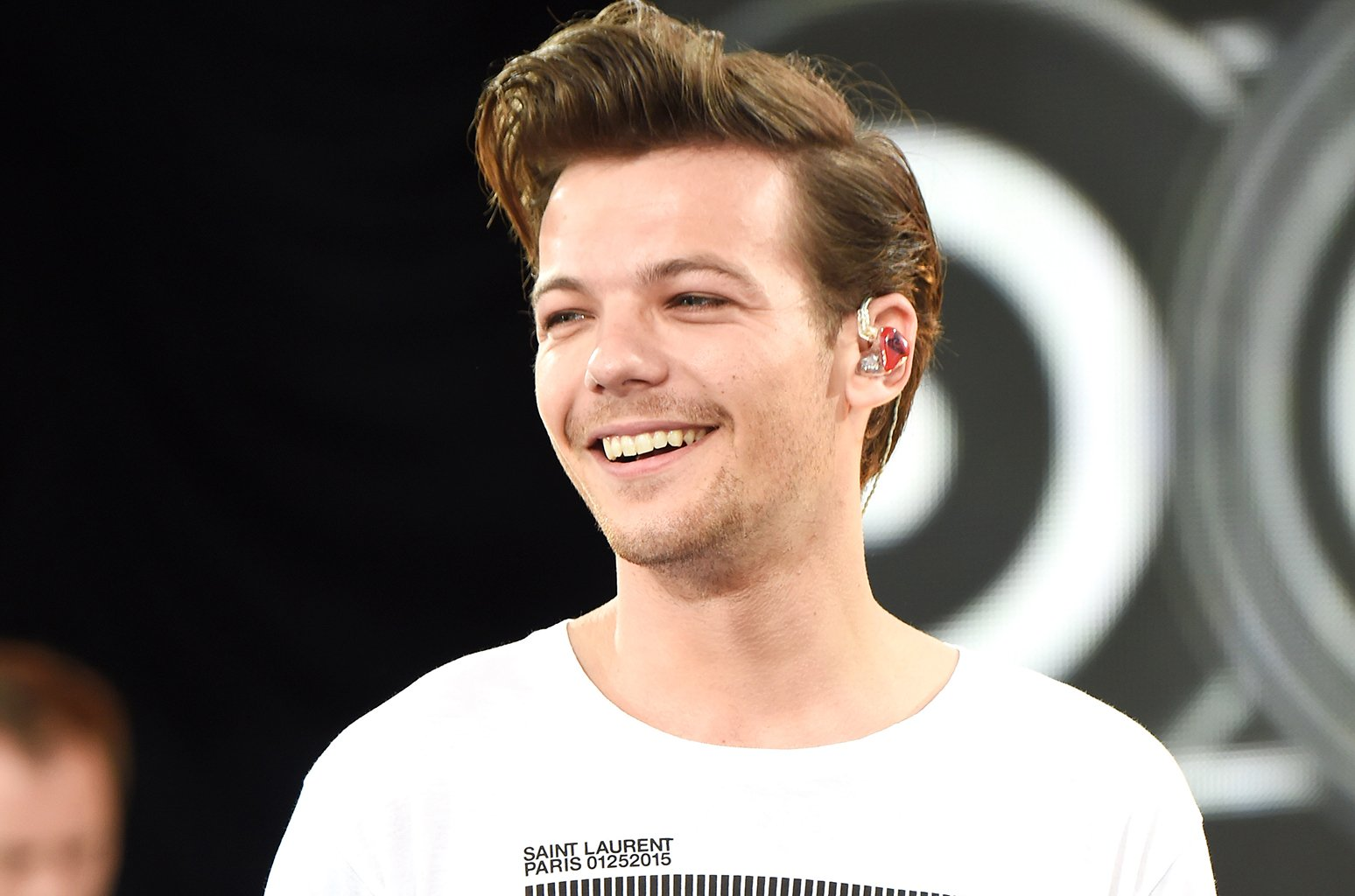 .@Louis_Tomlinson hits No. 2 on the Emerging Artists chart! https://t.co/WIQVwpgDaW https://t.co/kxtJ9pTTjA