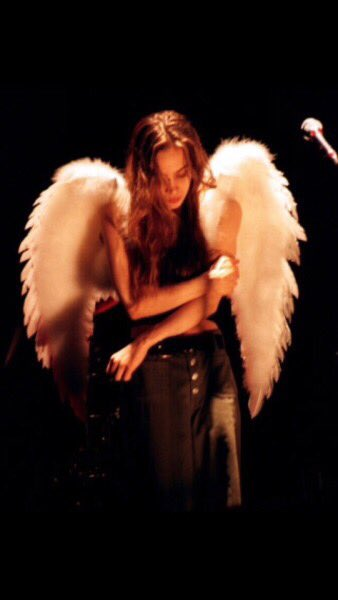 Happy bday to the beautiful angel[virgo] fiona apple