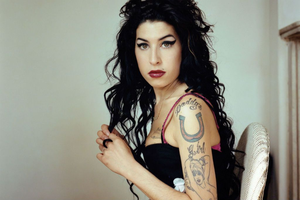 Happy Birthday Amy Winehouse!! She would have been 34 today!!