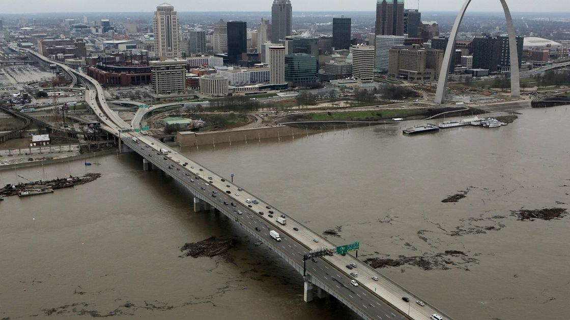 Mississippi River communities link with investors thru environmental planning