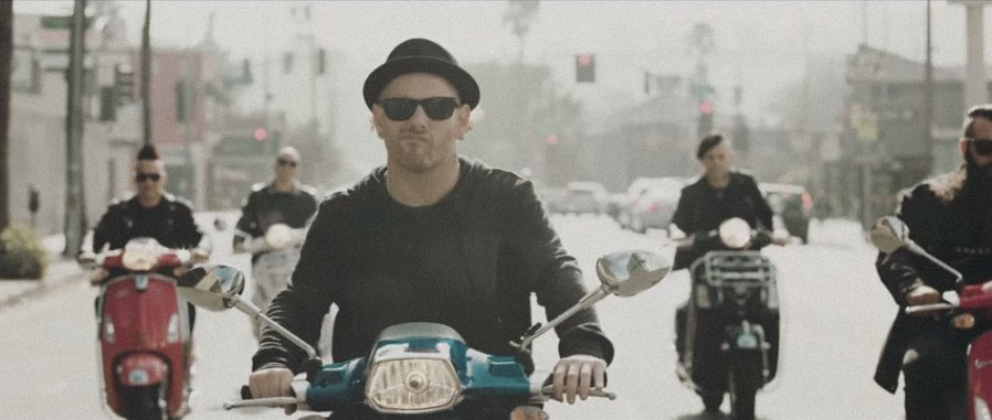 Watch Stone Sour's wild new video for 'Rose Red Violent Blue' https://t.co/4r7KyA58OS https://t.co/IC6CCYvcNX