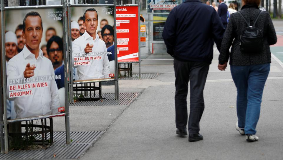 Austria's leaders reject Juncker's vision for euro expansion https://t.co/Ks9JgBHfQ3 https://t.co/SNBIvV6kvI