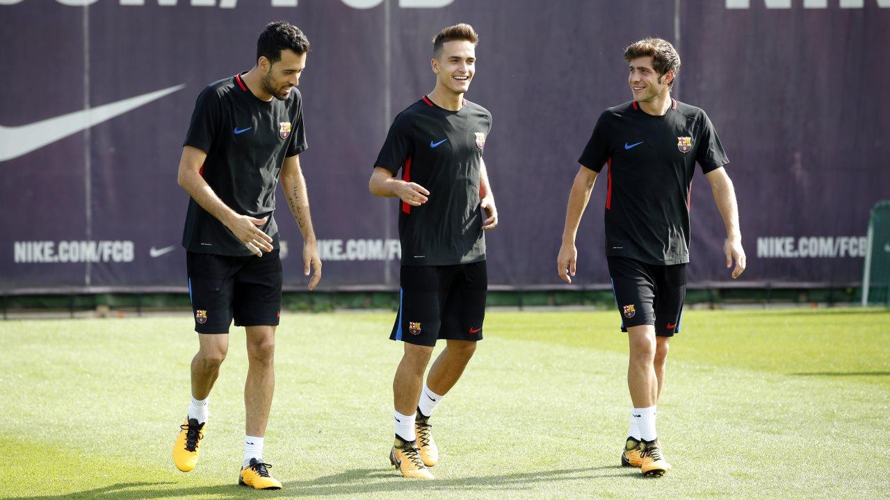 ⚽️��️ Entrenamiento de los jugadores disponibles del primer equipo en el campo Tito Vilanova ���� #ForçaBarça https://t.co/u1hJ8QzxWG