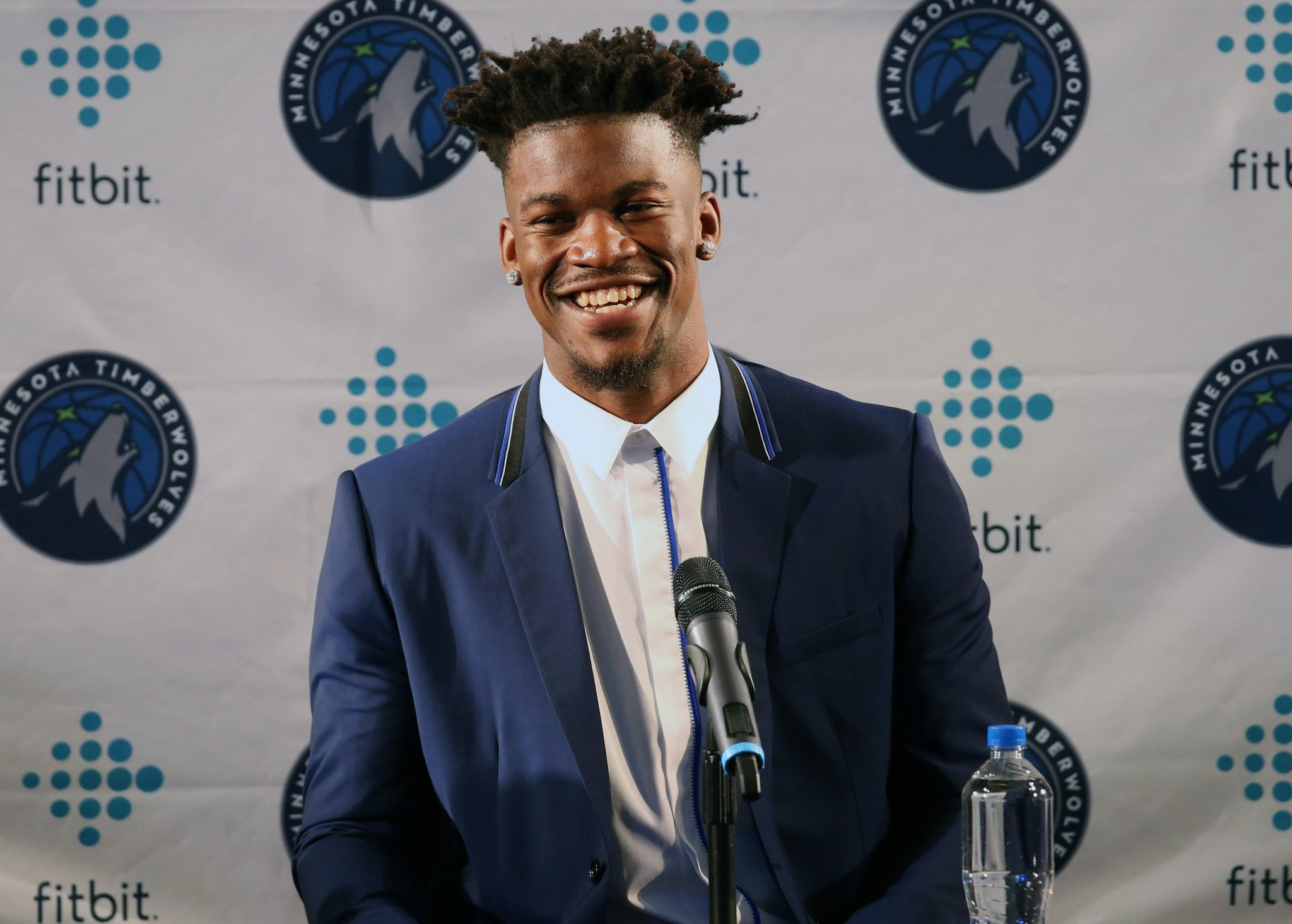 Join us in wishing @JimmyButler of the @Timberwolves a HAPPY 28th BIRTHDAY! #NBABDAY https://t.co/hONp2oBz9d