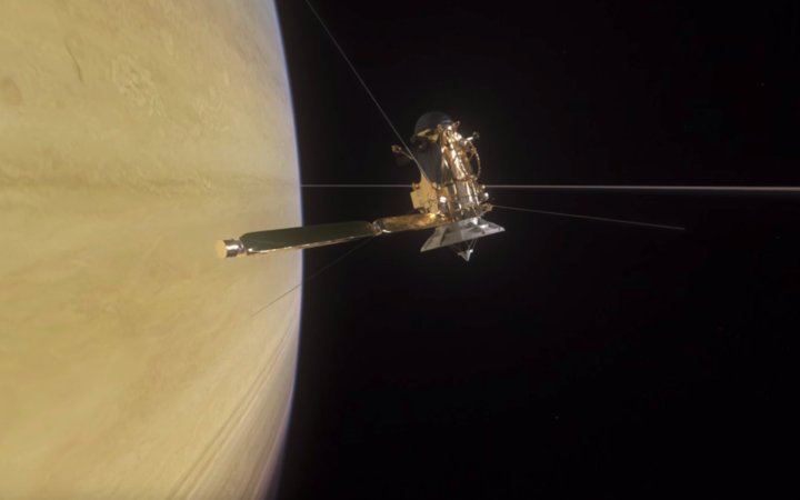 Cassini spacecraft to plummet into Saturn