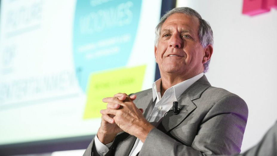 CBS chief Leslie Moonves takes shots at Disney, ESPN, Fox at investor conference