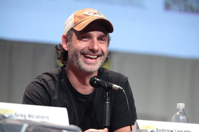 Wishing Andrew Lincoln a very Happy Birthday today! Cheers for our leading man!