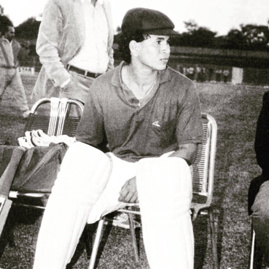 All geared up, waiting for my turn to come in the batting line-up! #ThrowbackThursday https://t.co/WU7Kr458dk