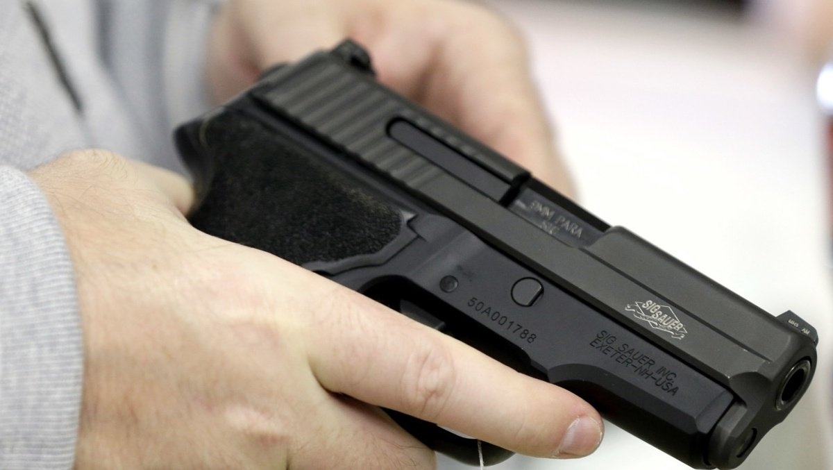 Firefighter charged with possessing illegal firearm, drugs