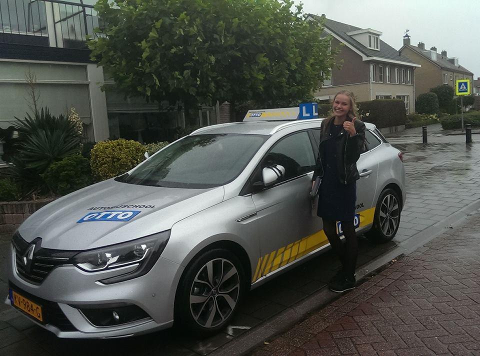 test Twitter Media - Gefeliciteerd Annewil de Jong! ondanks het snertweer een keurige examenrit gereden en dus in 1x geslaagd. Nu nog een eigen auto aanschaffen. https://t.co/sMD7uoIVW7