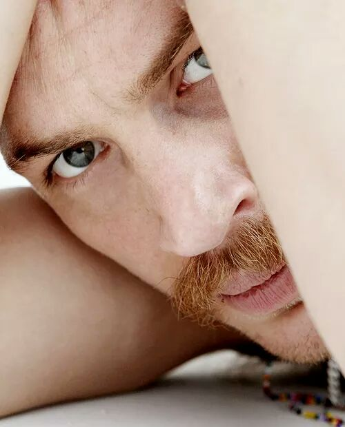 Happy birthday to to the legendary Tom hardy he\s the  big 40