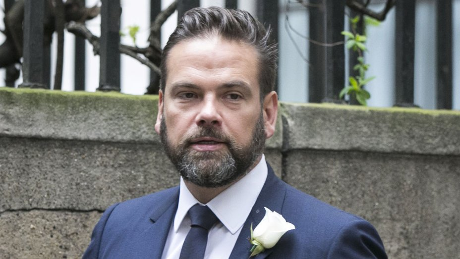 Lachlan Murdoch, Partner Make Bid for Australia's Ten Network, Challenging CBS