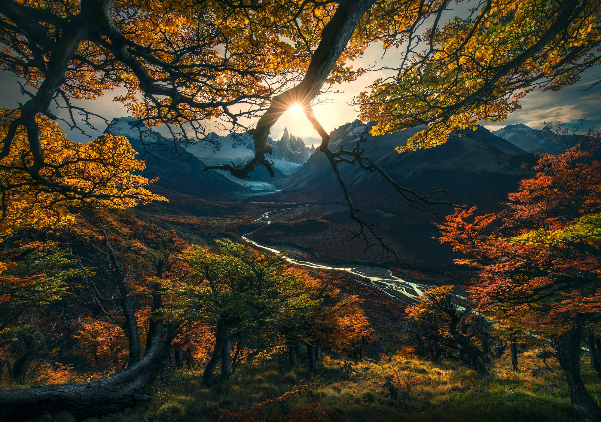 By Max Rive #mountains #nature #landscape #photo #photography https://t.co/x91fCcRZm8