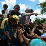 Bangladesh troops to deliver aid for Rohingya refugees