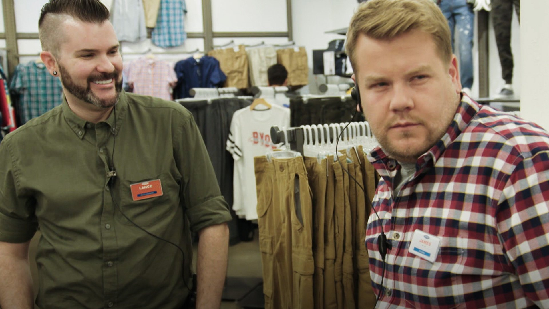 .@JKCorden worked a shift at @OldNavy and may have changed the retail game forever.  WATCH: https://t.co/NB59bnasAq https://t.co/W4UHewVUCT