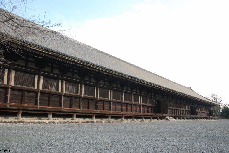 今日から奈良編。「ローリングガールズ」に登場した京都・三十三間堂から、「ユーフォ」の宇治へ。(2016年2月1日撮影)