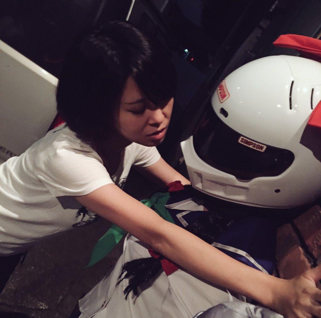 来夢先輩と魅惑の壁ドンごっこ。#来夢先輩#バイク女子#ばくおん#百合?#川崎来夢