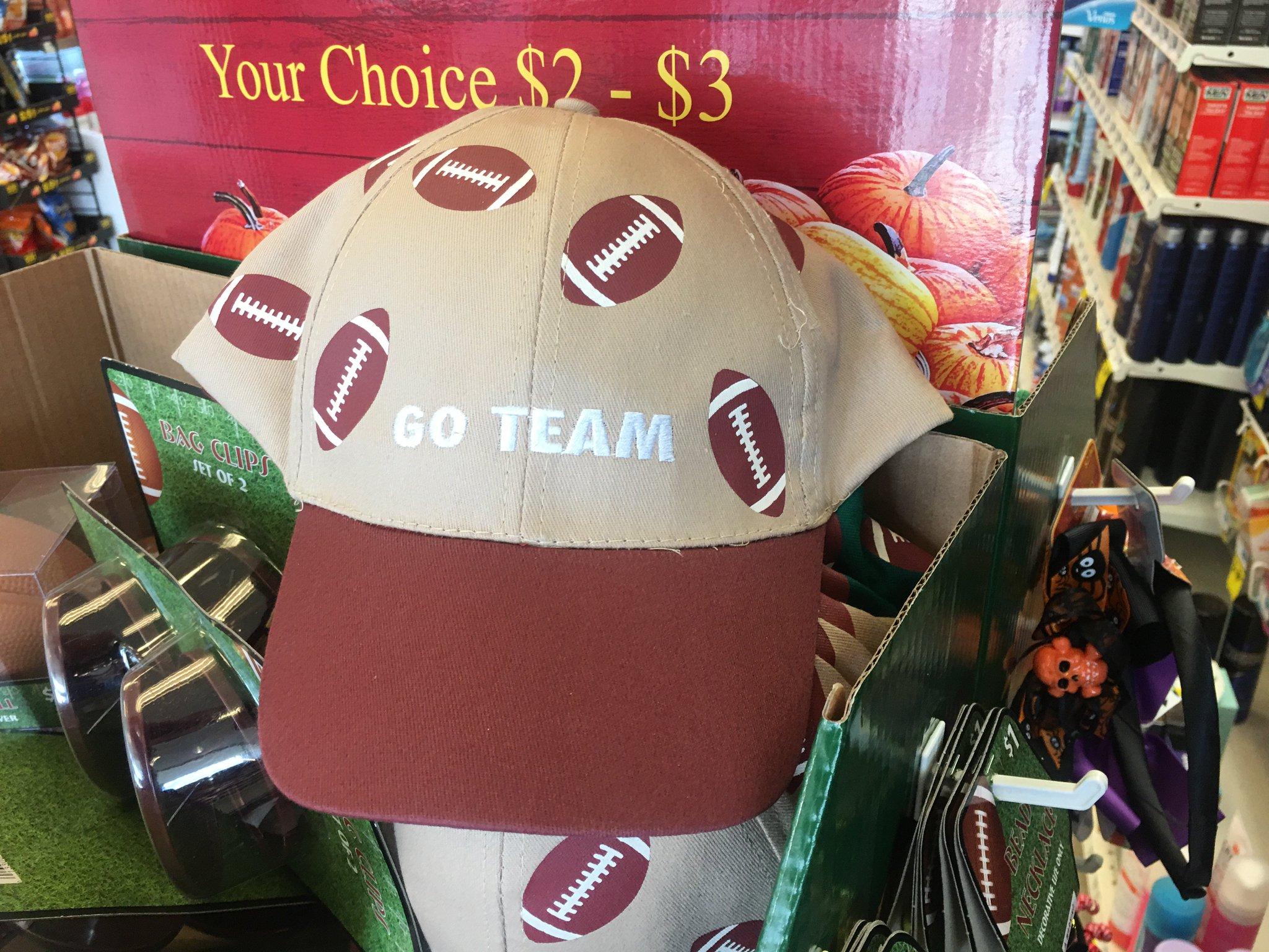 Found my new football-watchin' hat. https://t.co/RAekFRL1xK