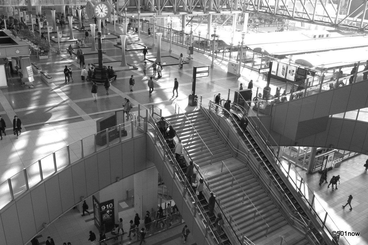 『時の広場』#大阪 #大阪駅 #写真撮ってる人と繋がりたい#写真好きな人と繋がりたい#ファインダー越しの私の世界#写真