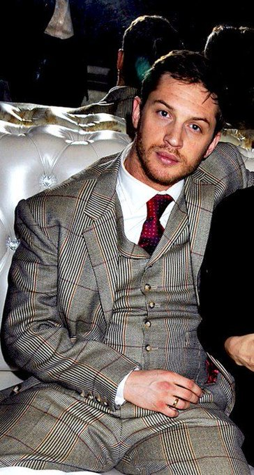 BIRTHDAY TOM HARDY!!!!!