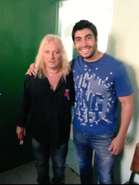 RT @chiquiherediaok: ROMANCE CONFIRMADO: Primera foto oficial d Facundo Moyano y Nicole Neumann!!!... #BuenViernes https://t.co/vIZfdov2cv