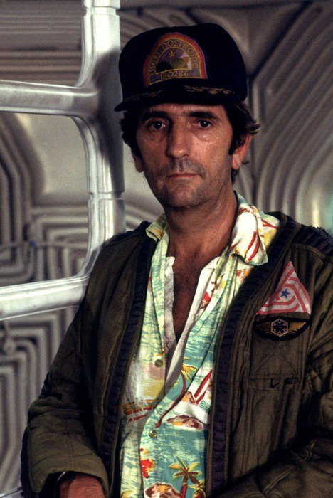 RIP Harry Dean Stanton. So far the Nostromo crew have died in the same order they did in Alien. Which means Sigourney Weaver may never die https://t.co/ubc2bqgReR
