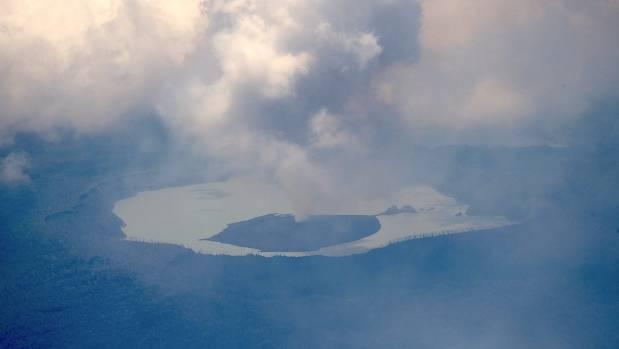 Australia, New Zealand send help for Vanuatu volcano evacuation