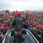 Uhuru heads to Western Kenya to hunt for votes