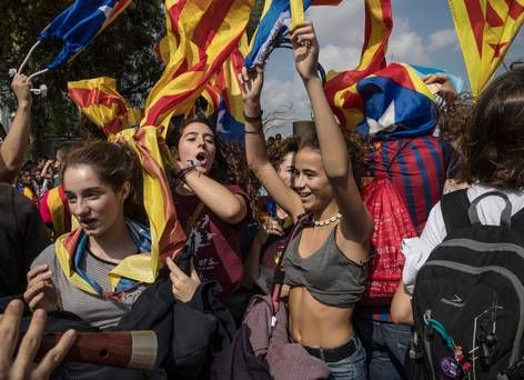 Students demand right to vote in Catalonia referendum