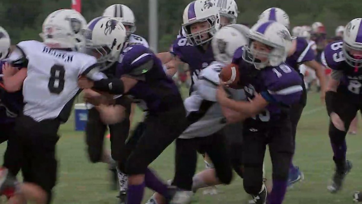 Youth football league won't play national anthem