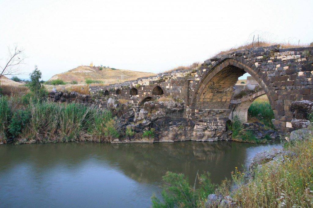 Father drowns in Jordan River while saving teenage daughter