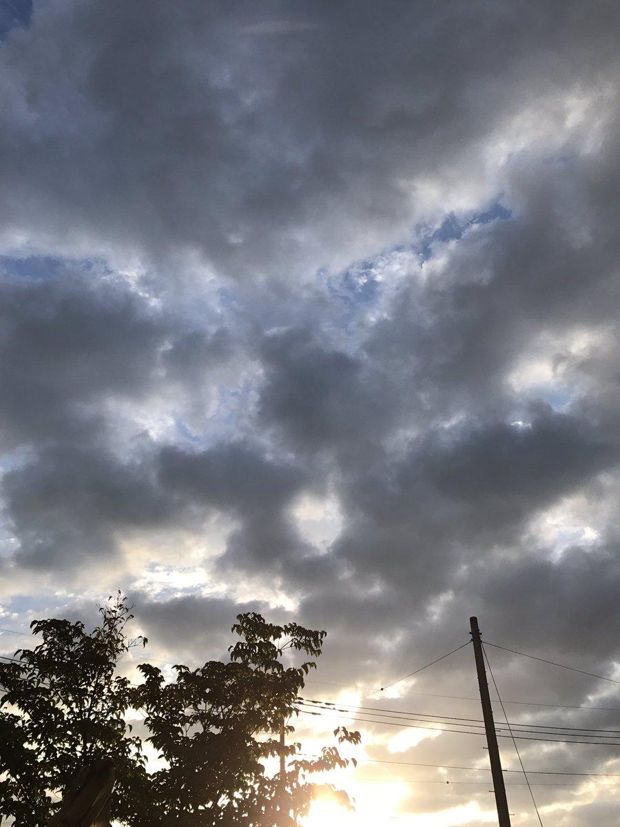 おはようございます^_^一面雲の☁️の朝です☀️2日間ライブ終わり楽しかった〜長野で食べたラーメン🍜美味しかったです💕今