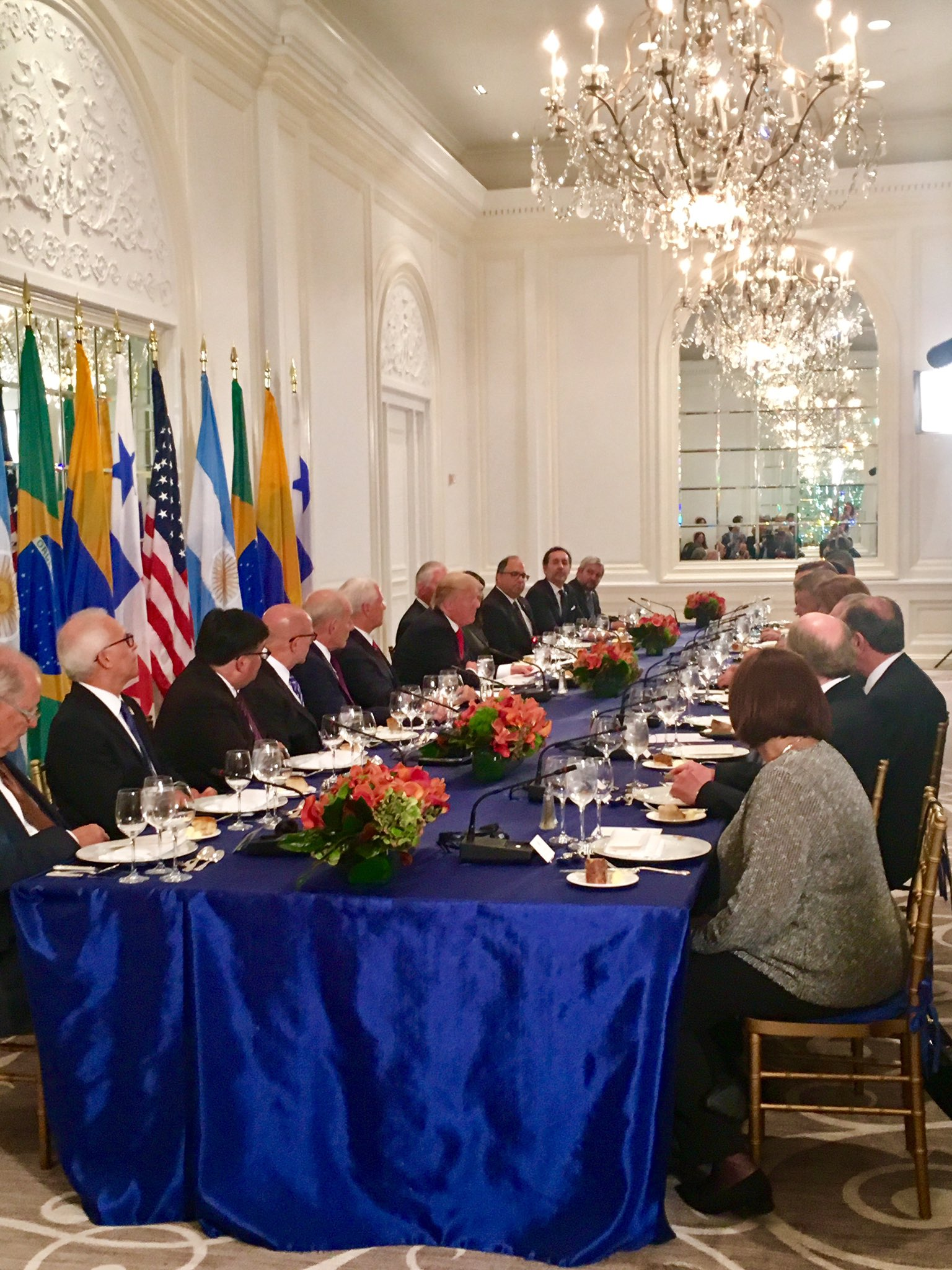.@POTUS hosts Latin American leaders for working dinner tonight in NYC. #UNGA https://t.co/oC1J6JGwkg