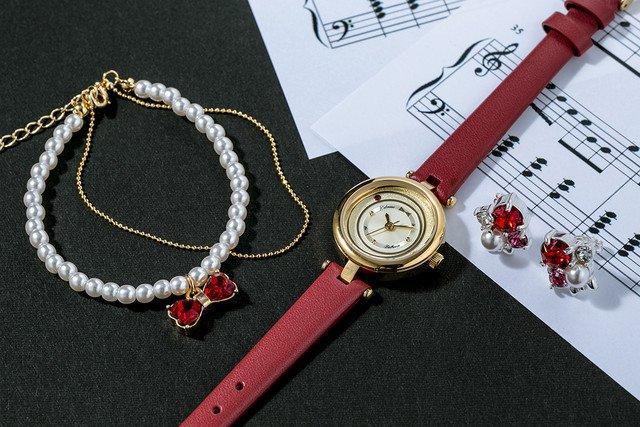 「ボールルームへようこそ」キャラをイメージした腕時計&アクセサリー